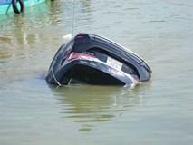 Tiết lộ điều kinh hoàng vụ ô tô lao xuống sông Hoài, 3 người tử vong