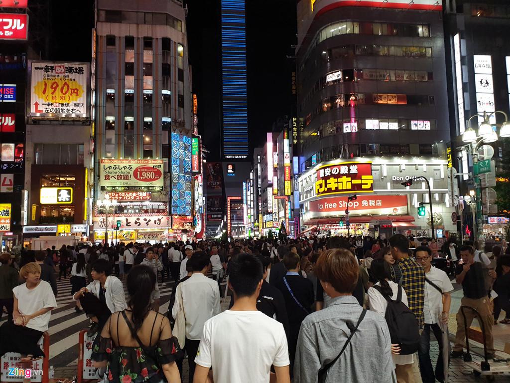 Trò quấy rối tình dục qua iPhone trên tàu điện tại Nhật Bản-2