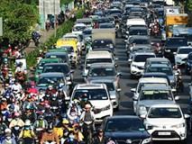 Người Sài Gòn nhích từng mét, ngột ngạt trên mọi ngả đường những ngày cận Tết