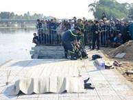 Vụ cả gia đình ở Hà Nội lao ô tô xuống sông, 3 người chết, hàng xóm sốc nặng không tin là sự thật