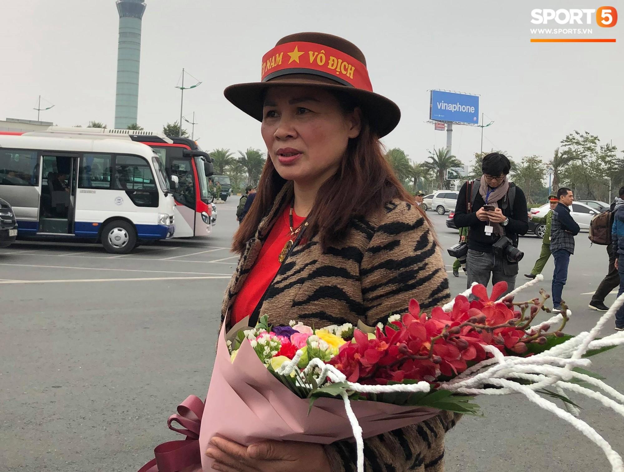 Mẹ Quang Hải khen thầy Park là người hùng đáng yêu, chú Văn Lâm xúc động khi nói về cháu trai-1