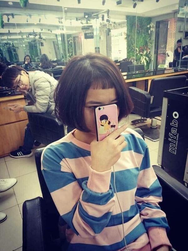 Khóc thét với thảm họa tóc mái: Nói Tết vui hay không phụ thuộc vào tay thợ cắt tóc quả không sai-1