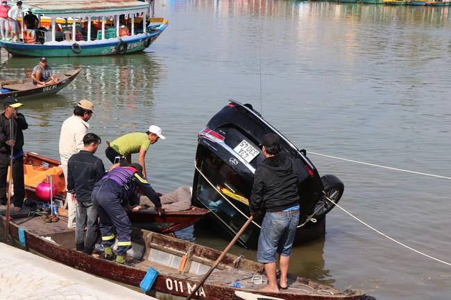 """Vụ chồng lái ô tô chở vợ con lao xuống sông: Anh Giang rất vui vẻ, hiền lành""""-6"""