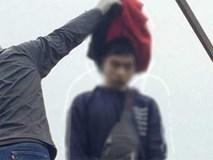 Kinh hãi phát hiện nam thanh niên treo cổ trên cột điện cao thế, hai tay bị trói