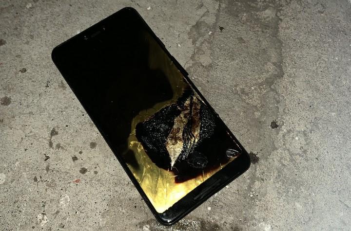 Google Pixel 3 XL bốc cháy, nghi vấn lỗi pin giống Note 7-2