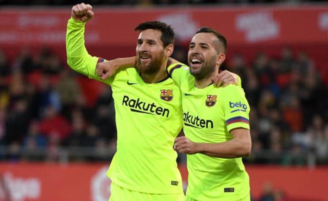 Messi tỏa sáng giúp Barca xây chắc ngôi đầu La Liga-1