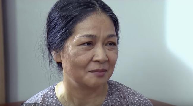 Con gái chảy nước mắt khi thấy mẹ đẻ lo lắng việc lễ Tết thông gia, còn mẹ chồng lại dửng dưng như không-1