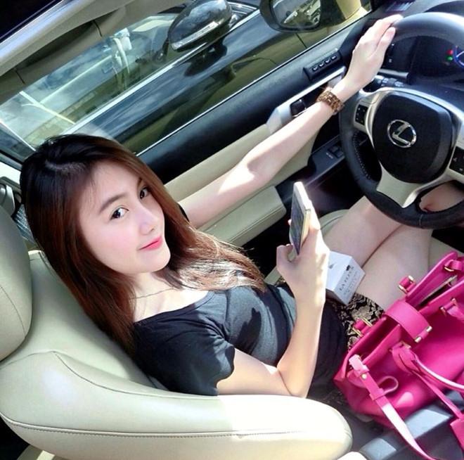 Cuộc sống giàu có đáng ngưỡng mộ của hot girl Lào gốc Việt ở tuổi 22-2
