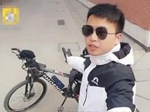 Rủ họp lớp không ai đi, lớp trưởng đích thân đạp xe 1500km, đến thăm nhà từng người