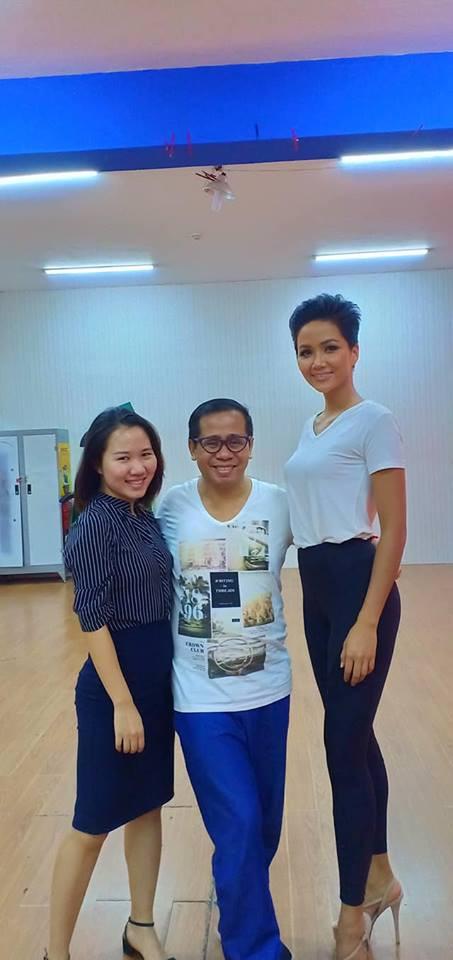 Thầy dạy catwalk từng tố Ngân Anh mua giải: Chúc mừng HHen Niê - Nữ hoàng thực sự của Việt Nam-6