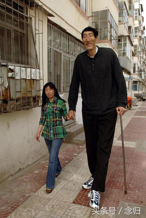 Cãi lời có bầu với ông lão 2m3, thiếu nữ năm xưa choáng với chiều cao con trai 8 tuổi-2
