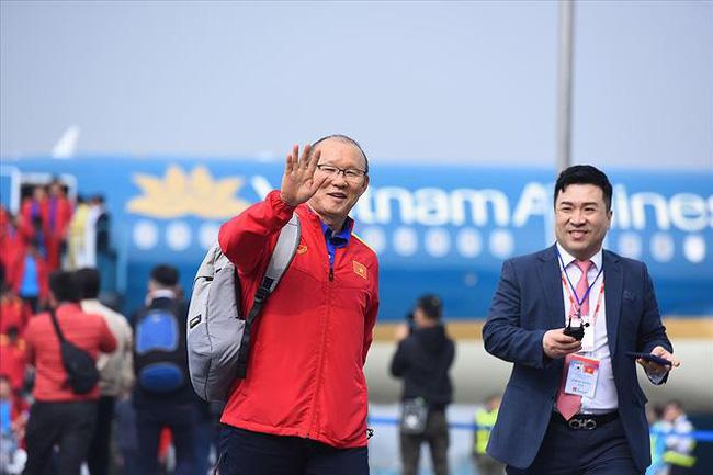 Rộ tin khiến người hâm mộ bóng đá hoang mang: HLV Park Hang Seo đã chính thức chia tay Việt Nam, về Hàn Quốc đêm qua?-6