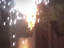 Cột điện cháy lớn, nổ như đốt 'pháo hoa' ở Hà Nội