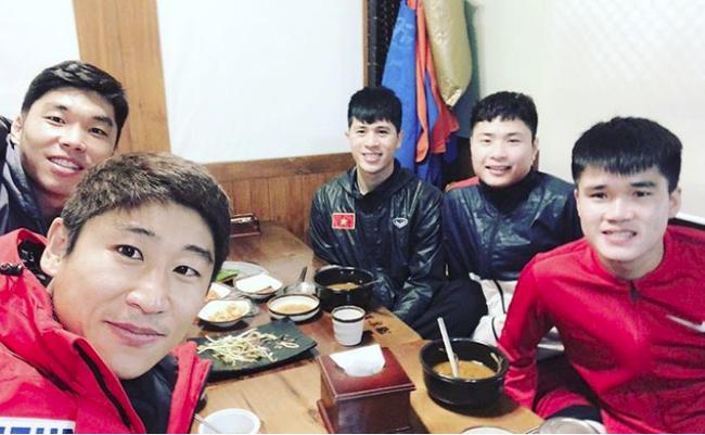 Nghỉ xả hơi ăn Tết, dàn hot boy đội tuyển Việt Nam thi nhau khoe nhà mới, đi chơi cùng bạn gái-18