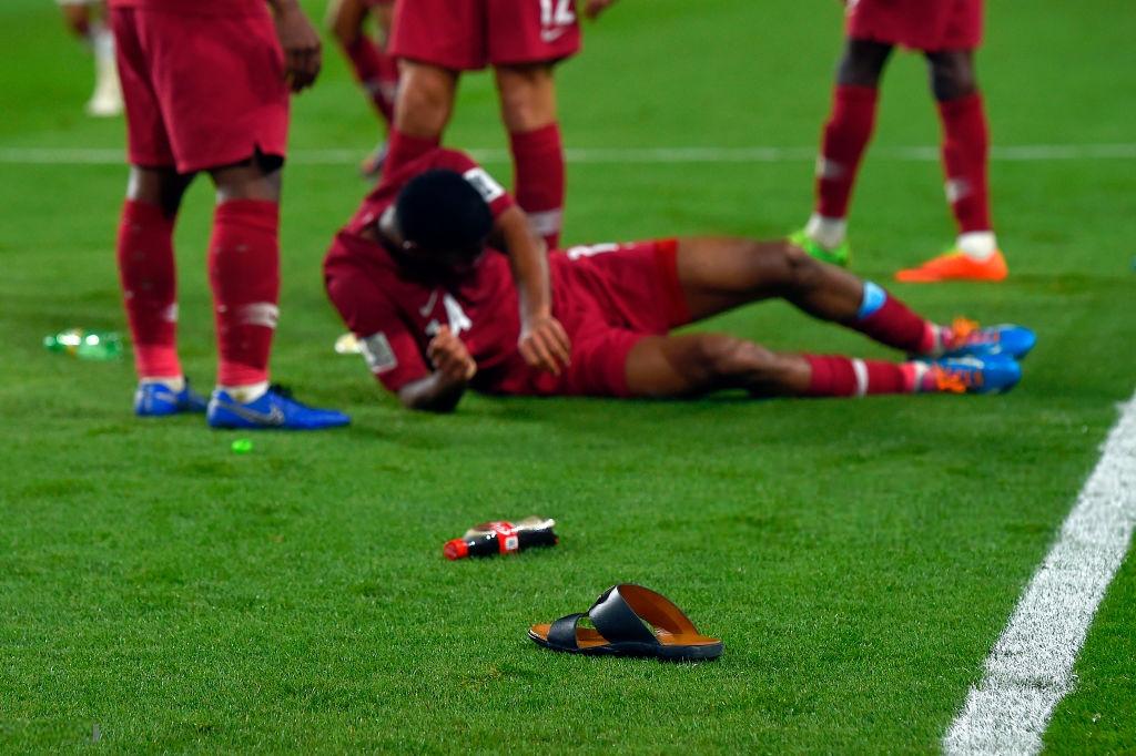 Đội tuyển thua nhục nhã, CĐV nước chủ nhà UAE còn để lại hình ảnh vô cùng xấu xí-5