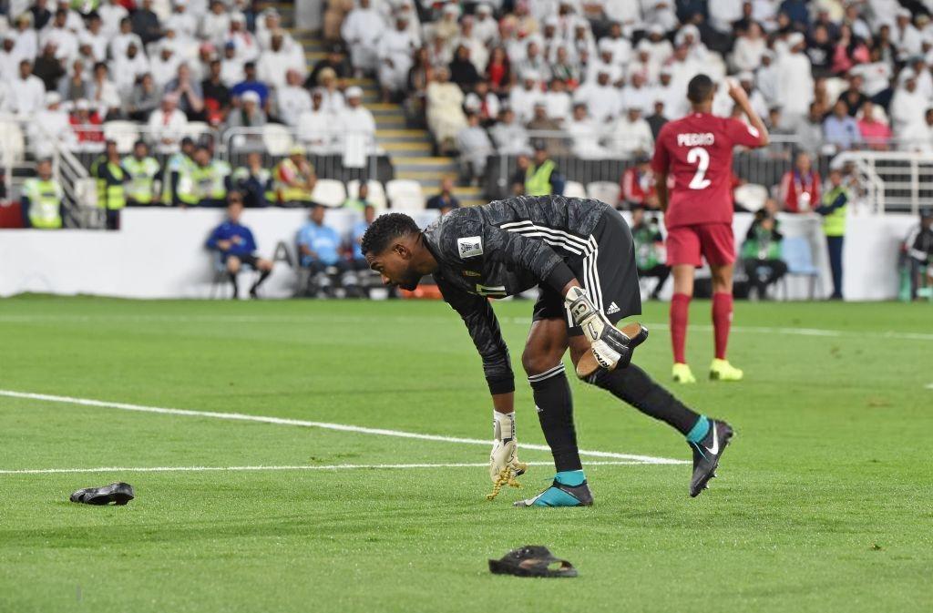 Đội tuyển thua nhục nhã, CĐV nước chủ nhà UAE còn để lại hình ảnh vô cùng xấu xí-1