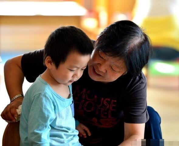 Liên tục hối thúc con nhỏ, hành động tưởng chừng vô hại này lại gây ảnh hưởng nghiêm trọng đến tâm lý và sự trưởng thành của trẻ-1