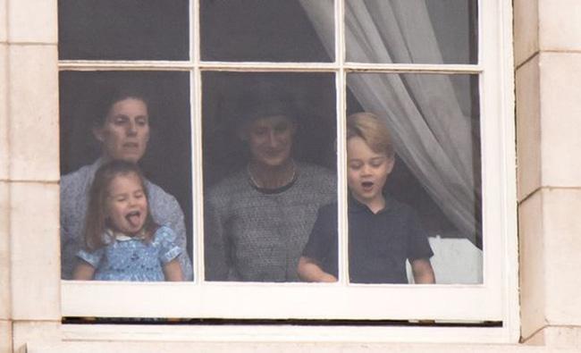 """Choáng váng với những quy tắc nghiêm ngặt của bảo mẫu khét tiếng"""" dành cho Hoàng tử George và Công chúa Charlotte-2"""