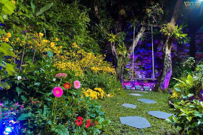 Đàm Vĩnh Hưng khoe căn biệt thự được trang trí hoành tráng, ngập sắc màu chuẩn bị đón Tết Nguyên Đán-3