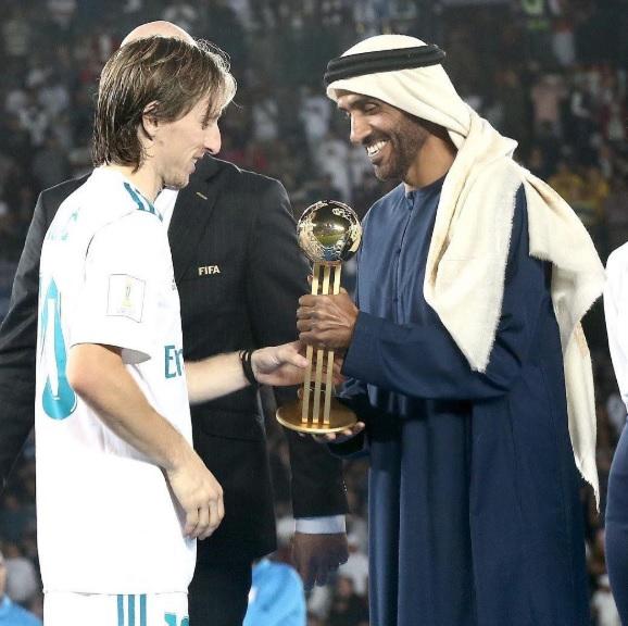 Hoàng tử UAE bao trọn khán đài ngăn CĐV Qatar cổ vũ bán kết Asian Cup là ai?-3
