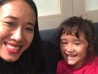 Nước mắt hạnh phúc của người mẹ trẻ khi được trả lại con gái sau 4 năm sang Pháp kiện chồng hờ