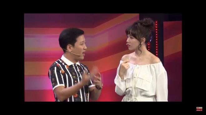 Bị Trường Giang so sánh với Á hậu Hà Thu để chê bai, Hari Won đáp trả thẳng thừng-3