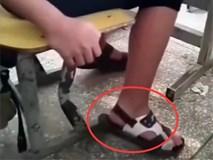 Nhỡ đi dép bệt trong khi trường bắt mang quai hậu, nam sinh này đã đối phó theo cách không ai ngờ đến