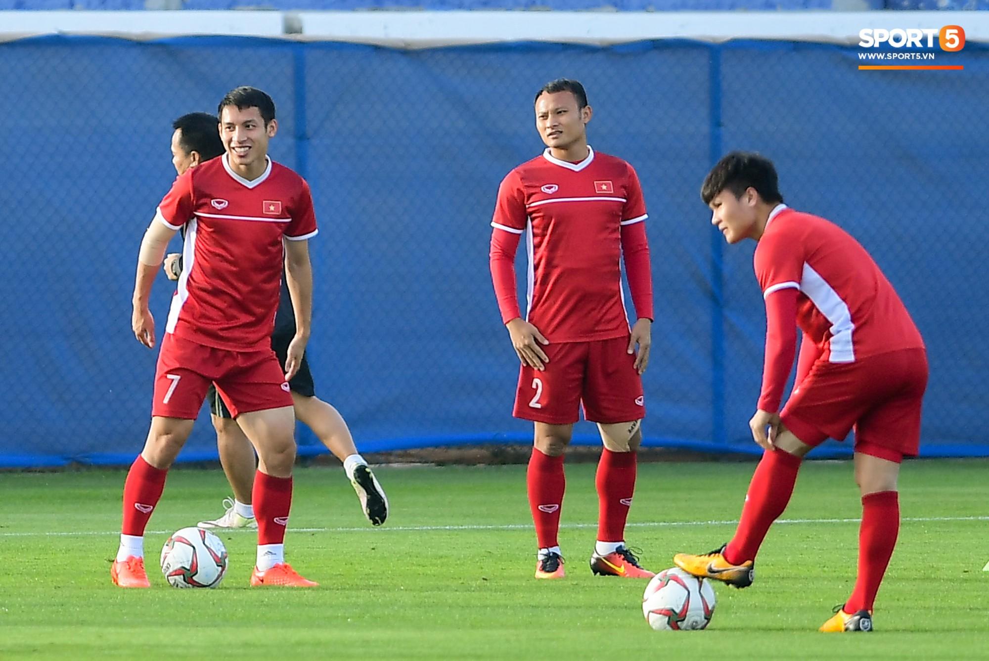 Chuyện giờ mới kể: Tuyển Việt Nam từng bị gián điệp Jordan theo dõi ở Asian Cup 2019-1