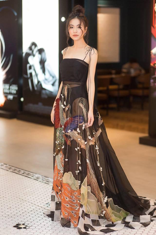 Diện lại đầm thảm họa của Hoàng Thùy Linh: Jun Vũ lộ thân hình trơ xương - Khánh Linh The Face đẹp xuất sắc-3