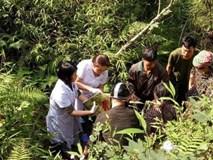 Bị ngã xuống vực khi chồng đưa đi đẻ, sản phụ sinh con nặng 3kg ngay dưới khe núi