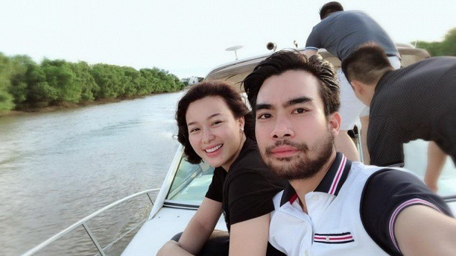 Người đẹp Hoa hậu Việt Nam khánh thành biệt thự 5 sao đón Tết 2019-2