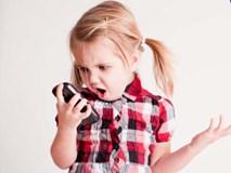 Cho con chơi điện thoại nhiều, cha mẹ rồi sẽ hối hận khi lâm vào cảnh này