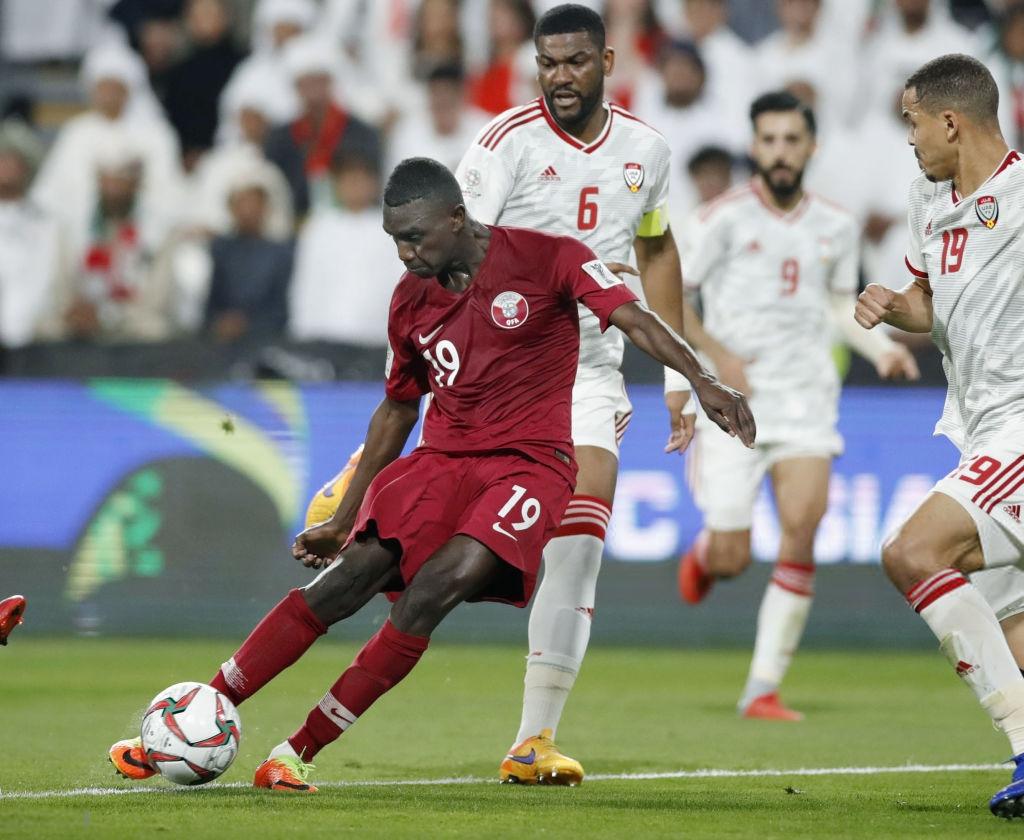 Thua mất mặt, UAE quay sang gửi đơn kiện Qatar dùng cầu thủ trái phép-1