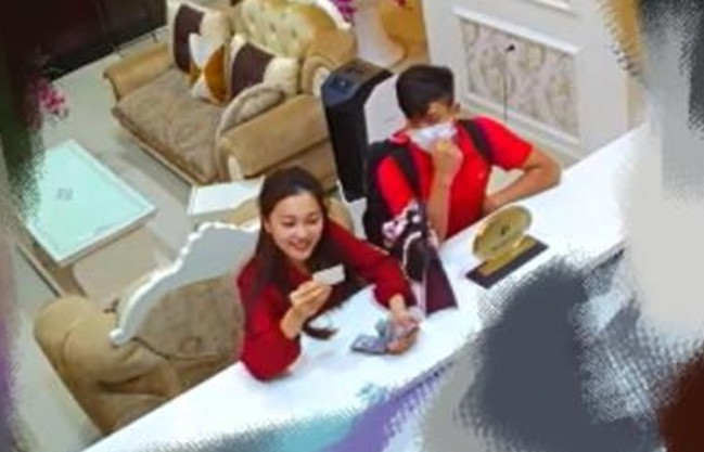 Phan Văn Đức hỏi cưới Chi Pu dù đã có bạn gái xinh đẹp là top 10 Hoa hậu Hoàn vũ, và sự thật là gì?-4