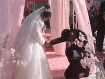 Giữa hôn lễ, chú rể có