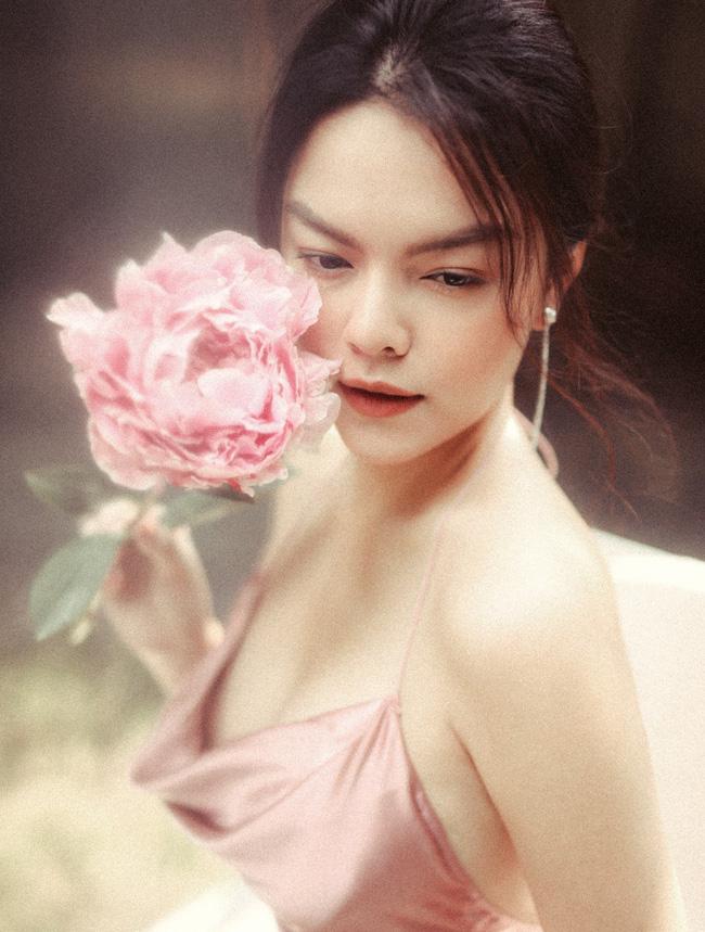 Quyết tâm rũ bỏ hình ảnh buồn bã, Phạm Quỳnh Anh khoe nhan sắc ngày càng mặn mà-8