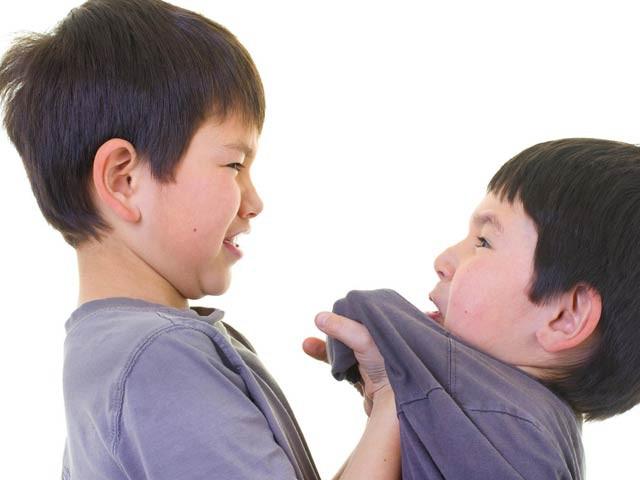 Khi con bị bắt nạt, cha mẹ vạn lần không được nói 3 từ này, bằng không càng khiến trẻ sau này bị yếu đuối-1