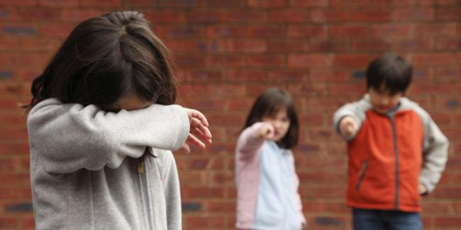 Khi con bị bắt nạt, cha mẹ vạn lần không được nói 3 từ này, bằng không càng khiến trẻ sau này bị yếu đuối-2
