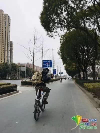 Sợ cảnh chen chúc tàu xe, nam sinh đạp xe 500km, đi hết 7 ngày để về nhà ăn Tết-2