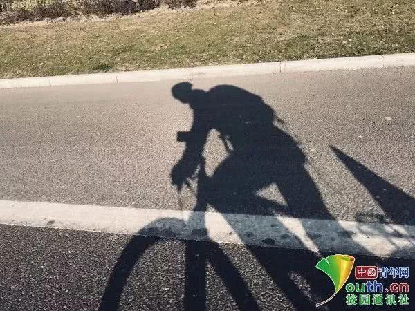 Sợ cảnh chen chúc tàu xe, nam sinh đạp xe 500km, đi hết 7 ngày để về nhà ăn Tết-6