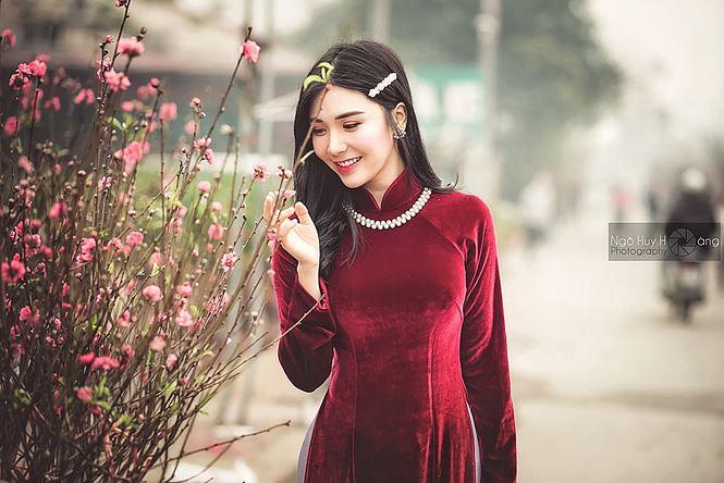 Thanh Bi tung ảnh áo dài xinh đẹp đón Tết-1