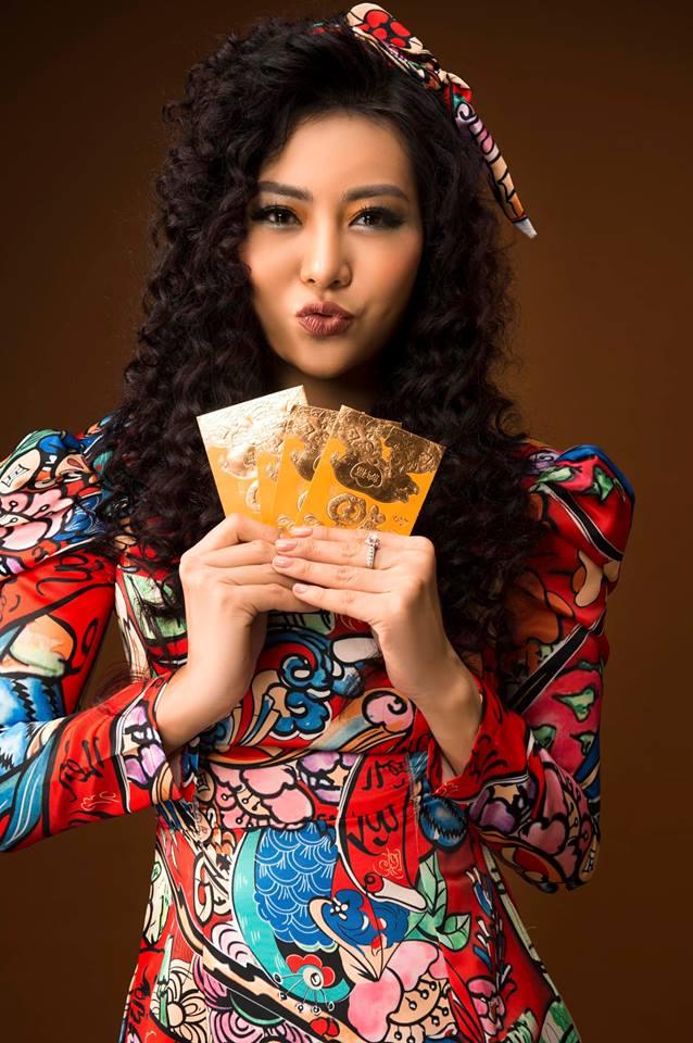 Diễn viên Thanh Hương khác lạ với style áo dài, tóc xù trong bộ ảnh đón Tết-10