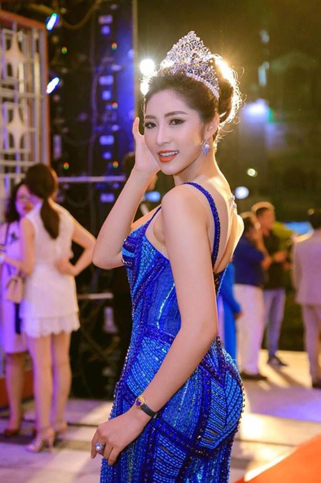 Ngắm mặt mộc không son phấn của dàn Hoa hậu Việt tuổi Hợi-12