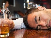 Đỏ mặt khi 'nhậu': Dấu hiệu cảnh báo nhiều bệnh cực nguy hiểm