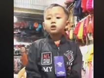 Cậu bé Nghệ An tài không đợi tuổi, hát