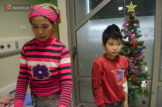 Xót lòng những đứa trẻ phải đón tết trước cổng bệnh viện ở Hà Nội: Nhắc đến quê nhà lại ứa nước mắt vì nhớ-3