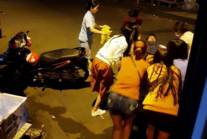 Chuyện cảm động trên chuyến xe buýt ở Sài Gòn tối 29 Tết-1