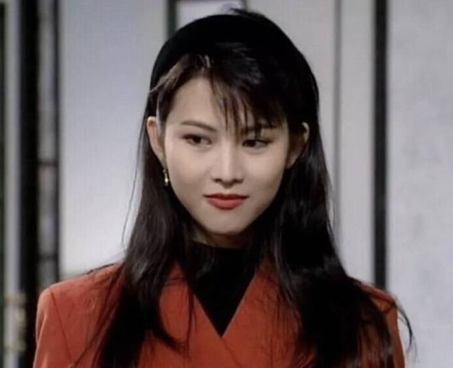 Á hậu đẹp nhất Hong Kong: Bị mẹ ruột ép bán thân, lấy chồng thấp kém vẫn hạnh phúc viên mãn-3