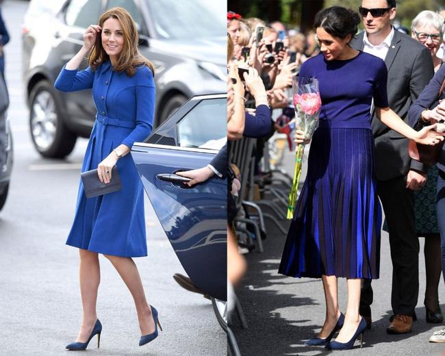 Có khi chị em dâu Kate và Meghan lại chẳng hề bất hòa, vì họ chăm diện giày đôi thế này cơ mà!-5