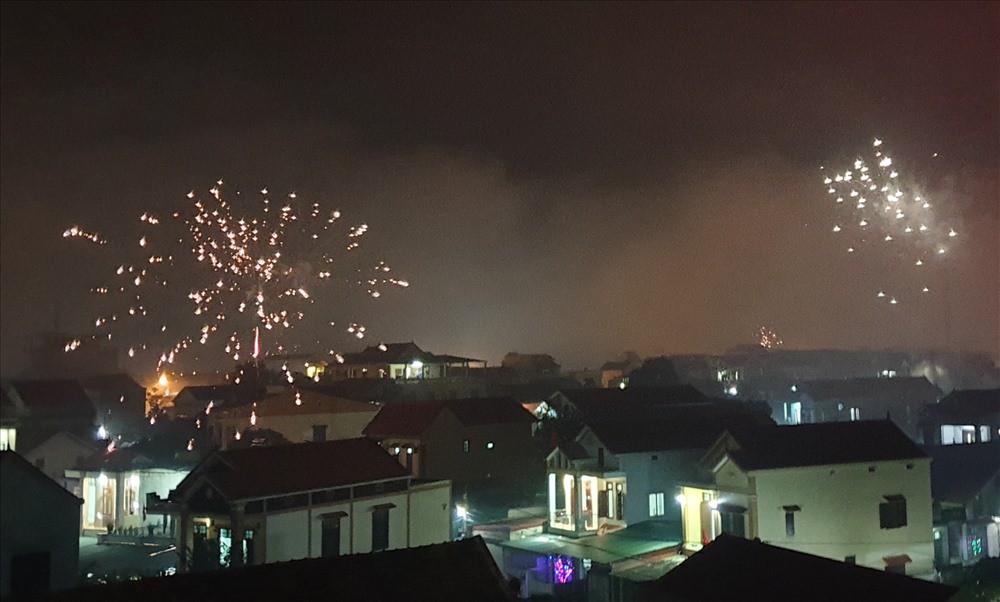 Quảng Bình: Nhiều người nhập viện cấp cứu do đốt pháo trái phép-2